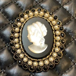 Vintage Victorian Revival Glow Lady Cameo Brooch